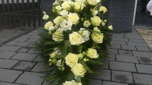 IMG-20210313-WA0034 | Wiązanki i wieńce z kwiatów żywych